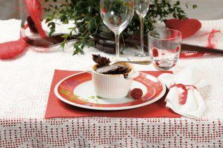 Soufflé di cioccolato e peperoncino, un dolce al cucchiaio irresistibile e peccaminoso