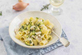 Pasta con sugo di branzino: primi piatti estivi