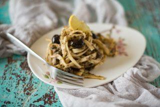 Tonnarelli pesto di olive e limone: primo piatto veloce