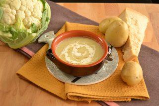 Vellutata ai cavolfiori con salsa al parmigiano: con il bimby