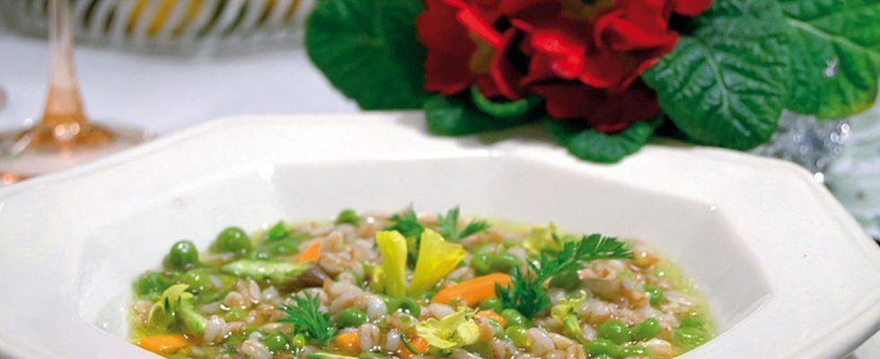 Zuppa primavera, un primo piatto colorato e saporito