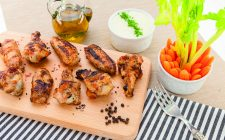 alette-di-pollo-al-barbecue-con-crema-al-formaggio-still