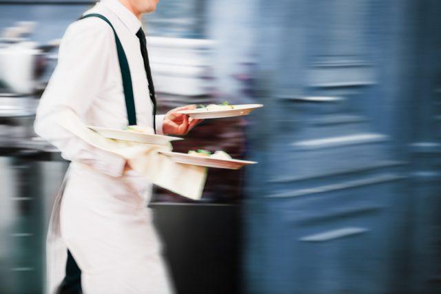 cameriere-in-movimento