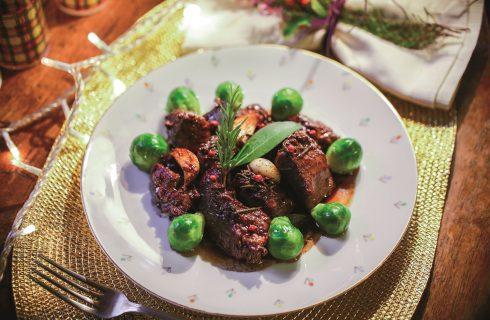 Cinghiale in dolce e forte, un piatto toscano rinascimentale
