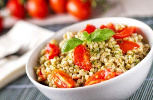 Insalate estive con cereali: 8 ricette da provare