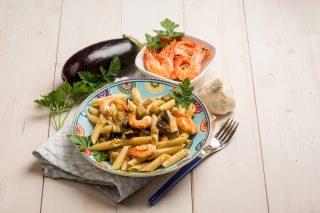 Penne con melanzane e gamberetti: primo mare e orto