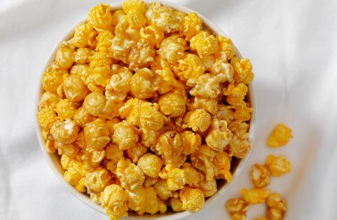 Come preparare i pop corn al formaggio con la ricetta facile