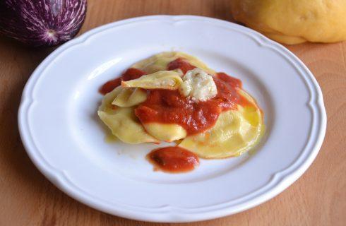 Ravioli con melanzane e pecorino: con il bimby