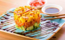 La ricetta della tartare di salmone affumicato e mango