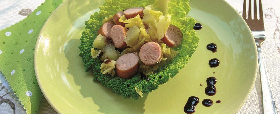 Wurstel con verza e patate: con il bimby