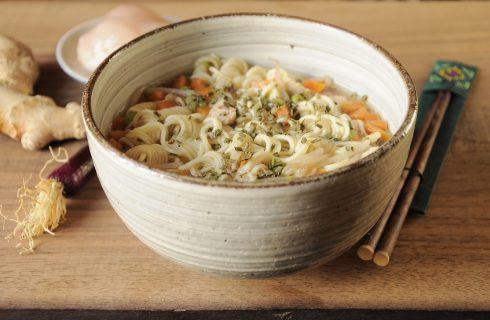 Zuppa di noodles con pollo e verdura: con il bimby