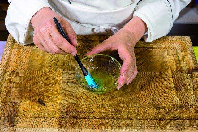 braciole-di-vitello-al-rosmarino-con-contorno-di-funghi-e-cipolle-grigliati-a1920-6