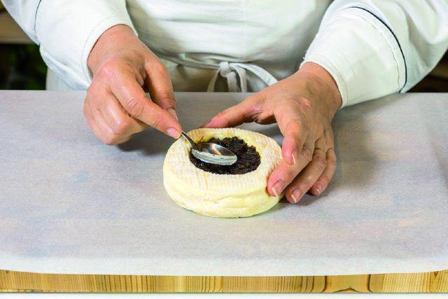 camembert-fondant-con-crostini-di-baguette-croccanti-a1839-3