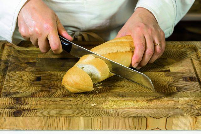 camembert-fondant-con-crostini-di-baguette-croccanti-a1839-4