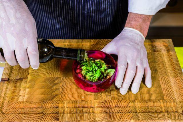 cartoccio-di-burratina-con-vellutata-di-pomodoro-basilico-e-melanzana-a1841-10