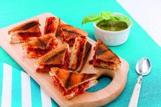 Club sandwich gourmet al barbecue: 'nduja e caprino