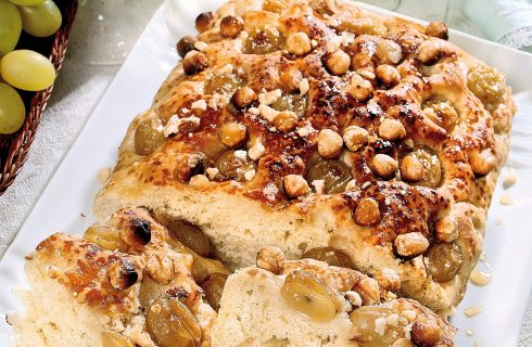 Focaccia con uva, miele e noci, un primo agrodolce e sfizioso