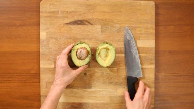 insalata-di-farro-salmone-e-avocado-step-1