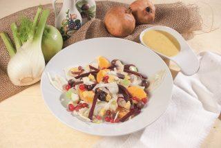 Insalata saporita con salsa di fagioli cannellini, un secondo piatto leggero e nutriente