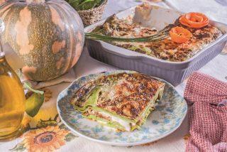 Lasagne di crespelle verdi con zucca e toma, un primo piatto vegetariano saporito e colorato