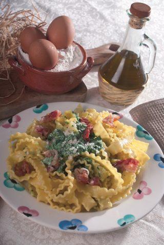 Mafaldine al prosciutto e primosale, un primo piatto dal gusto insolito