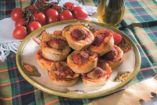 Muffin ripieni di polpette alla pizzaiola, un secondo sfizioso e buono