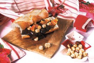 Panino al cioccolato fondente, mostarda e nocciole, un panino goloso e veloce
