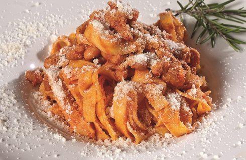 Pasta rustida con sugo ai borlotti, un primo emiliano della tradizione pasquale