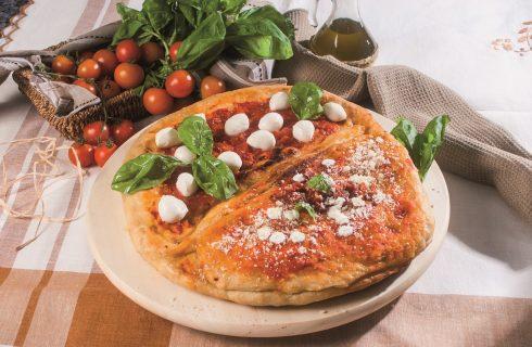 Pizza metà calzone e metà margherita, una pizza sfiziosa e saporita