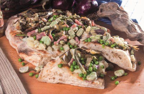 Pizza alla vignarola, una pizza della tradizione laziale