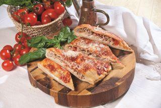 Pizza imbottita, una pizza farcita dalla tradizione napoletana