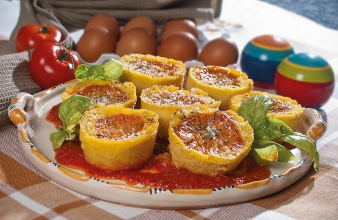 Tortini di polenta con frittata, un secondo piatto caldo e sfizioso
