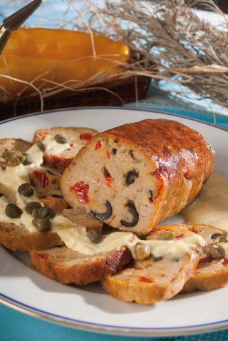 Polpettone di tonno con maionese al cipollotto, un secondo colorato e saporito