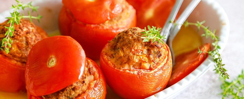 Pomodori ripieni di carne: per l'estate