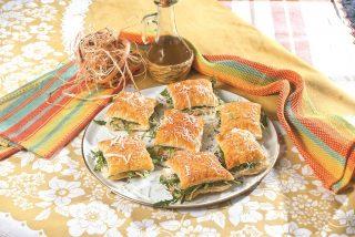 Rustici di sfoglia con erbe e formaggio, un antipasto fresco e sfizioso