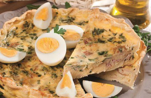 Quiche lorraine pasqualina, una torta salata semplice e appetitosa