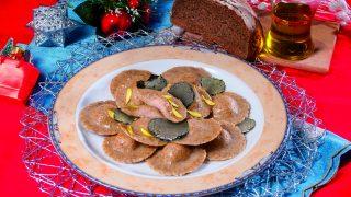 Ravioli al pane nero con carne affumicata, un primo piatto dalla tradizione trentina