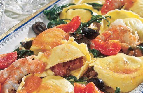 Ravioli di cotechino con sugo di crostacei, un primo piatto elaborato e gustoso