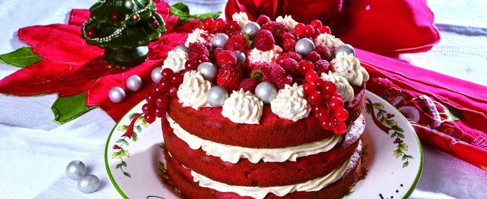 Red velvet natalizia, un dolce americano delizioso e scenografico