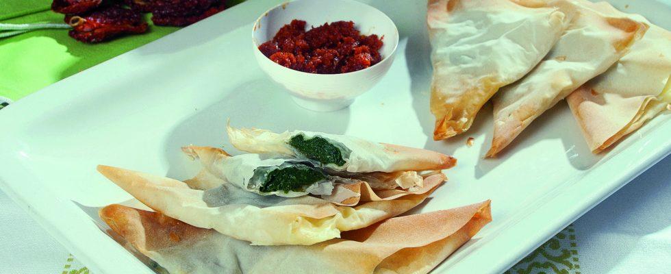 Triangolini di pasta fillo con bietole e crescenza, un antipasto croccante e sfizioso