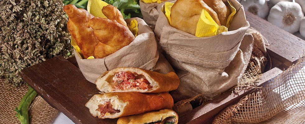 Panzerotto pugliese con formaggi e capocollo, un piatto sfizioso e saporito