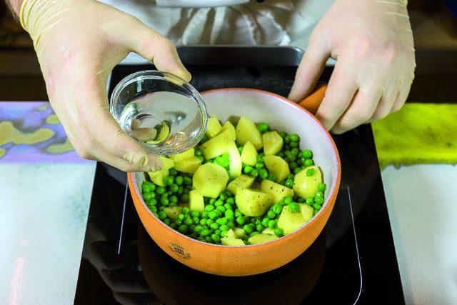 vellutata-di-piselli-con-seppioline-grigliate-e-salsa-al-prezzemolo-1919-7