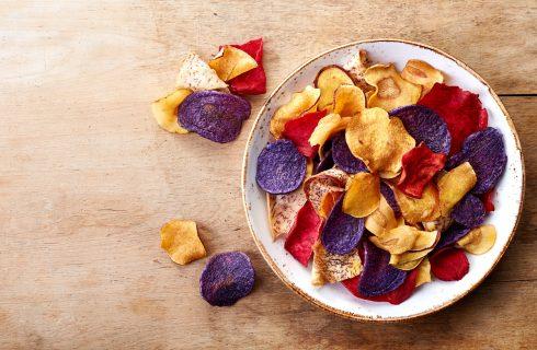 Chips di patate al forno, la ricetta per l'aperitivo