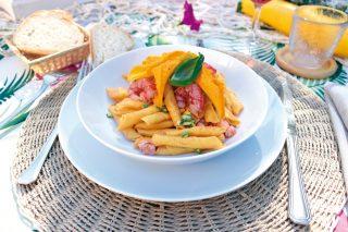 Garganelli ai gamberi rossi e fiori di zucca, un primo buono con pasta fresca