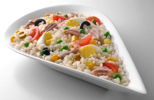 La ricetta dell'insalata di riso con tonno e uova sode