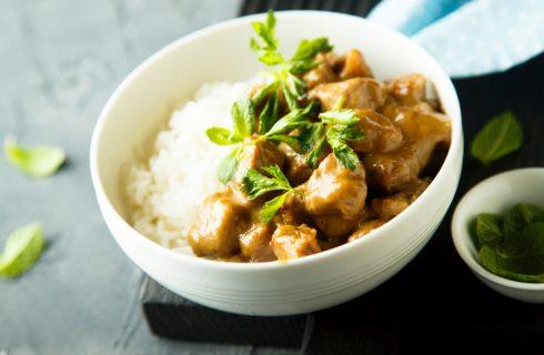 Il pollo al burro di arachidi con la ricetta africana