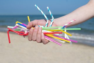 Bandite le cannucce di plastica in Europa