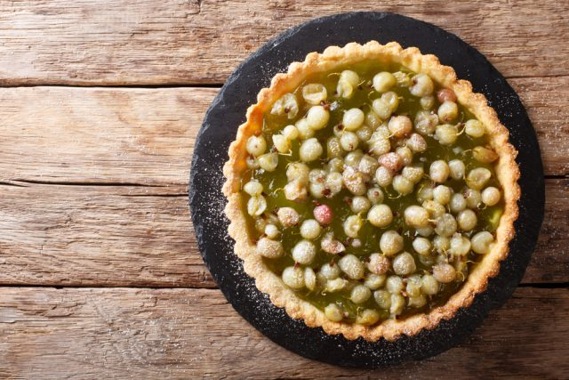 crostata all'uva spina