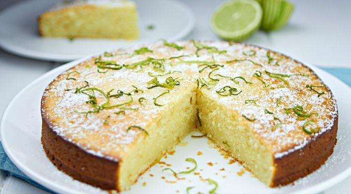 La ricetta della torta al limone con olio di semi per la colazione