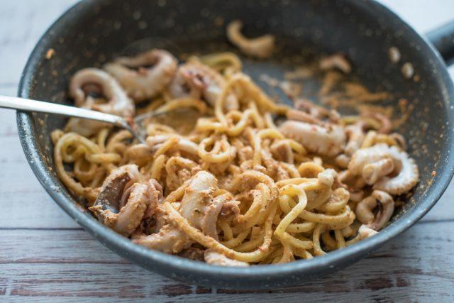 troccoli-con-pesto-trapanese-e-moscardini-step-3
